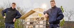 Stadtwerke Witten eröffnen erstes Insektenhotel auf dem Betriebsgelände